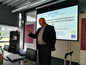 Michele Cincera of ULB presenting I3U in Luxembourg